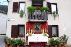Oltar pred Poniževo hišo